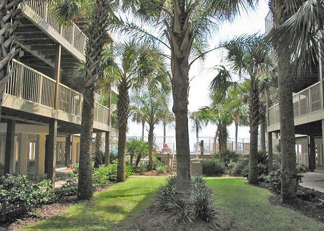 Courtyard - Sandpiper 9C ~ Welcoming Beachside Condo - Gulf Shores - rentals