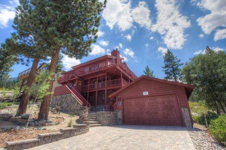 2700 sq ft, 3-story romantic executive home - HCH1649 - Image 1 - South Lake Tahoe - rentals