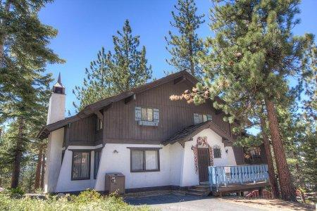 Huge, newly remodeled 4BR chalet blocks to Heavenly - HCH1000 - Image 1 - South Lake Tahoe - rentals