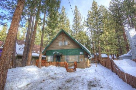 Great 4BR home large families or groups, 5min to ski - CYH1229 - Image 1 - South Lake Tahoe - rentals