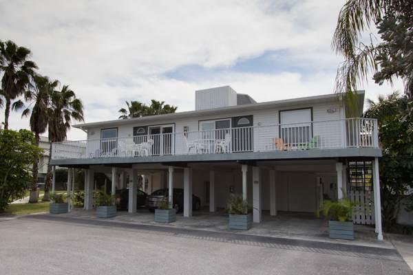 Seabreeze Condo B - Image 1 - Holmes Beach - rentals