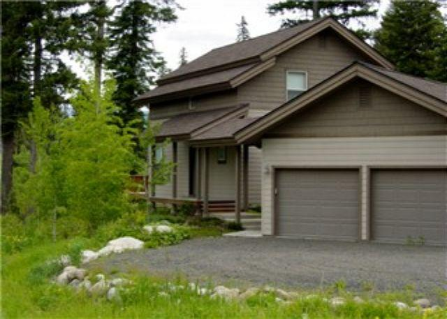 Front View - Aspen Green- Large Custom Home Located on the Golf Course - McCall - rentals