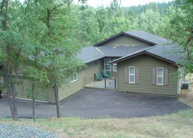 Modern Lakefront home with Easy Single Level Access. - Image 1 - Groveland - rentals