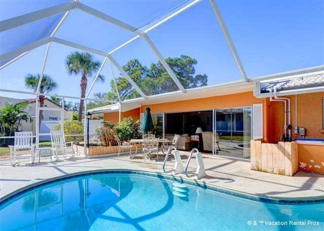 Your family will enjoy our screened lanai and heated pool - Harbor Paradise Home, Sleeps 14, Heated Pool, Wifi, HDTV - Venice - rentals