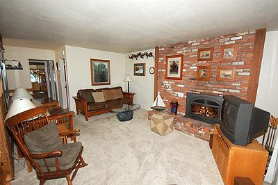 Living Room - 357 Ala Wai, 222 - South Lake Tahoe - rentals
