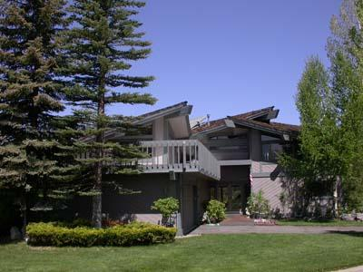 Exterior - 384 Beach Drive - South Lake Tahoe - rentals