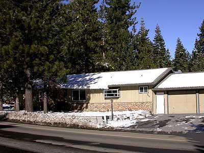 Exterior - 917 Tahoe Keys Blvd - South Lake Tahoe - rentals