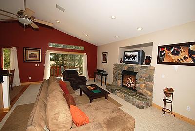 Living Room - 1621 Ponca - South Lake Tahoe - rentals