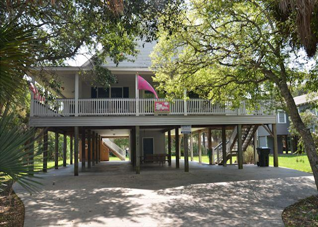 Just Trippin' - Tasteful Home Located Steps To the Ocean 4BR/2BA - Image 1 - Edisto Island - rentals