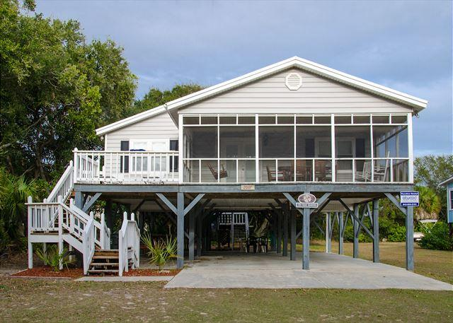 Sand Quarters - Screened Porch, Pet Friendly, Minimal Walk To the Beach - Image 1 - Edisto Island - rentals