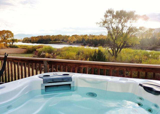 Fall view from the hot tub - Yellowstone River Overlook - Pray - rentals