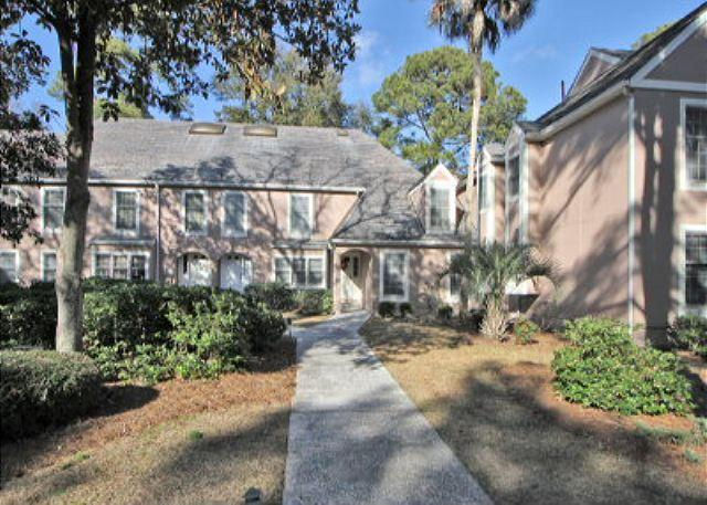 Evian 288 - 3BR/3BA Townhome is Spacious and Totally Re-decorated and has Lagoon Views - Hilton Head - rentals