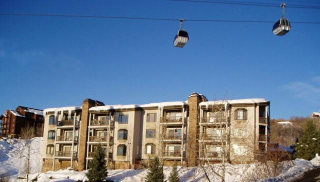 Norwegian Log with Gondola Overhead - Norwegian Log:Ski-In/Out.Views. Discount Lift Tix* - Steamboat Springs - rentals