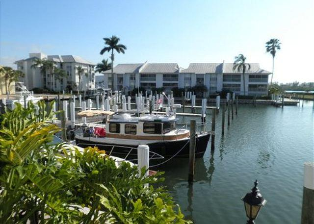 Marina Villa with Access to Palm Island Resort Services & Amenities - Image 1 - Cape Haze - rentals