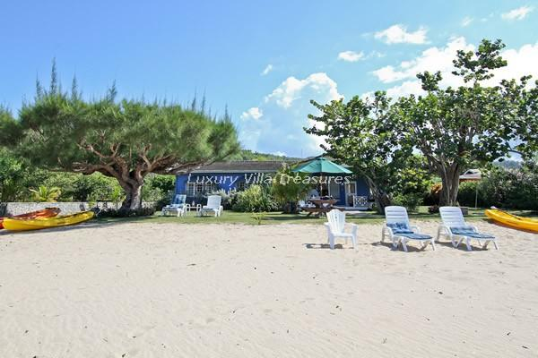 BEACHFRONT!!! SEA KAYAKS! Beach Nut, Rio Bueno - Image 1 - Discovery Bay - rentals