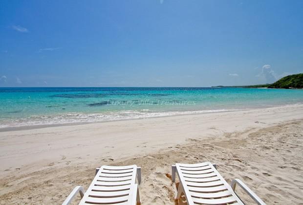 BEACH IN 2 MIN WALK! STAFF! Cannon Cottage - Image 1 - Silver Sands - rentals