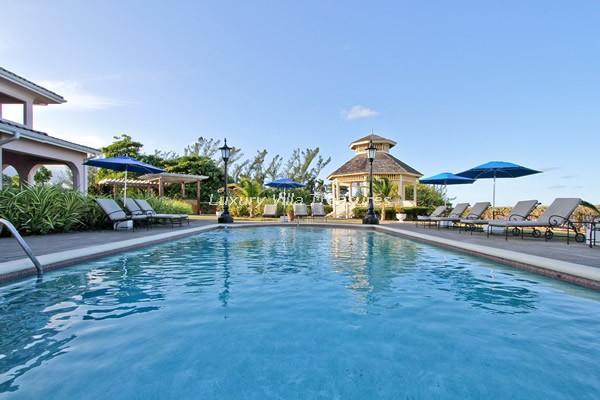 BEACHFRONT! LUXURY! POOL! STAFF! Villa Paradiso - Image 1 - Ocho Rios - rentals