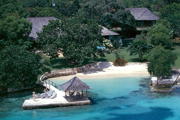 Amanoka - Discovery Bay 7 Bedroom Beachfront - Image 1 - Discovery Bay - rentals