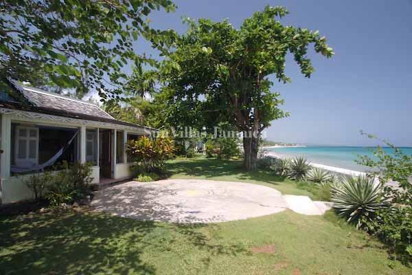 Bahia Cottage - Runaway Bay 1 Bedroom - Image 1 - Runaway Bay - rentals