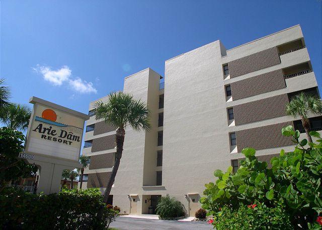Arie Dam 403 - Gorgeous, Updated Gulf Front condo with new kitchen & baths! - Image 1 - Madeira Beach - rentals