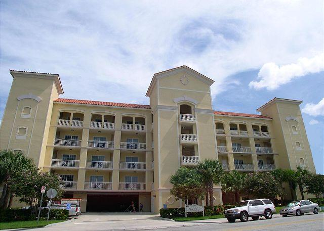 Bay Harbor 303 Gorgeous 3rd floor 3 Bedroom condo with great balcony & views! - Image 1 - Clearwater - rentals