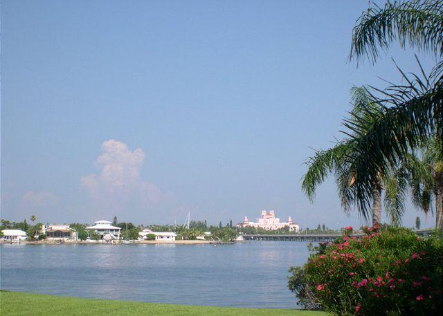 Bahia Vista 9-123 - Luxury ground floor poolside Isla Del Sol condo w/WiFi! - Image 1 - Saint Petersburg - rentals