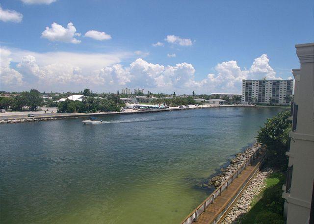 Lands End 4-402  Top floor, beautifully decorated bay side condo! - Image 1 - Treasure Island - rentals