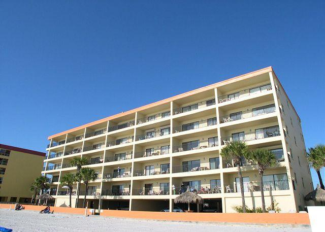 Las Brisas 404 Gulf Front 4th floor condo with 46 inch Widescreen TV & WiFi! - Image 1 - Madeira Beach - rentals