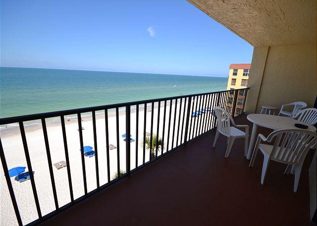 Las Brisas 404 Gulf Front 4th Floor Condo with 46 in Widescreen TV and WiFi! - Image 1 - Madeira Beach - rentals