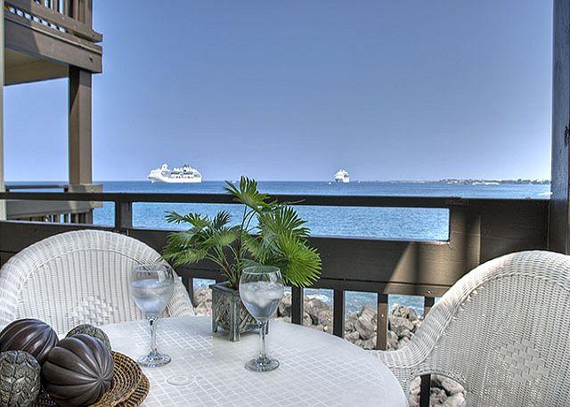 Oceanfront 2 bedroom ground floor condo with amazing views - Image 1 - Kailua-Kona - rentals