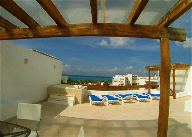 Amazing views form private roof top balcony! - 2 BR/3BA at San Francisco Beach. Private Solarium with Outdoor Tub.  Elevator - Cozumel - rentals