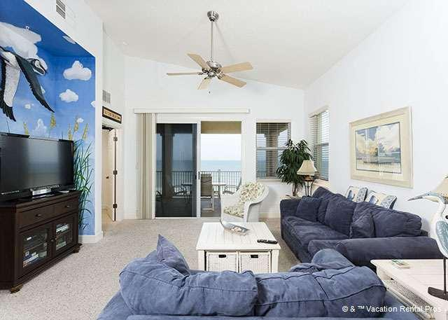 Sink into our comfy couches and enjoy the view - 565 Cinnamon Beach Ocean Front 6th Floor, HDTV, Sleeps 12, Wifi - Palm Coast - rentals
