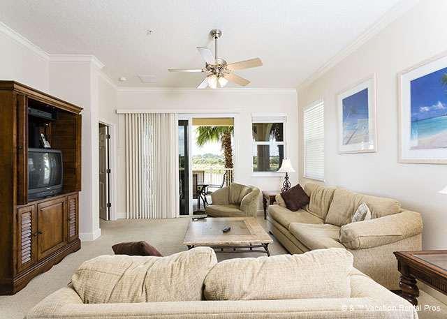 Cinnamon Beach 925 comfortably houses eight people - 925 Cinnamon Beach, Large Corner Unit, 2 Pools, Spa, Wifi, Patio - Palm Coast - rentals