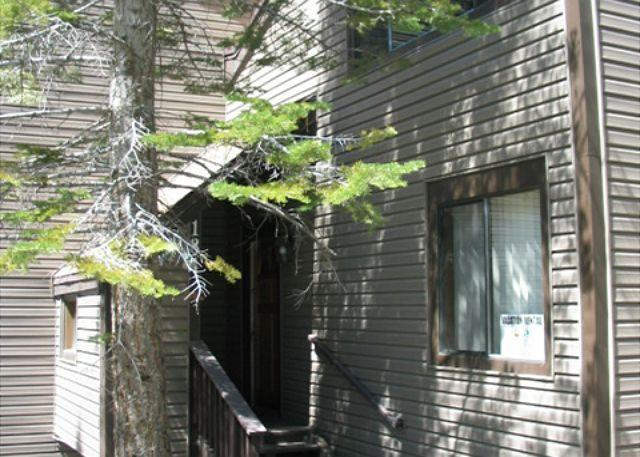 Exterior - Comfortable, split level townhouse style condo - Stateline - rentals