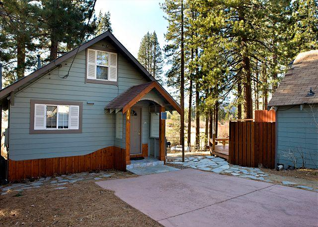 Front exterior - Craftsman style cabin with views on the river, meadow and mountains - South Lake Tahoe - rentals