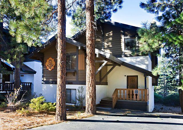 Tahoe Tyrol 1228 front exterior - 4BR/2BA Large Tahoe Tyrol Chalet with fabulous lake views! - South Lake Tahoe - rentals