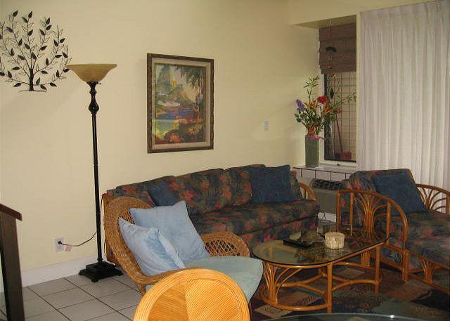 Living Room - Turtle Bay 009 West *** Available for 30 day rentals- please call. - Kahuku - rentals
