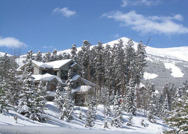Boulder Ridge Lodge Views of Peak 8 Breckenridge Lodging Luxury - Boulder Ridge Lodge Luxury Ski-in Home Hot Tub Breckenridge Vacation Rental - Breckenridge - rentals