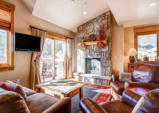 Mt. Victoria Lodge Living Room Frisco Lodging Frisco Luxury Cond - Mt Victoria Lodge I Luxury Condo Hot Tub Downtown Frisco Colorado Lodging - Frisco - rentals