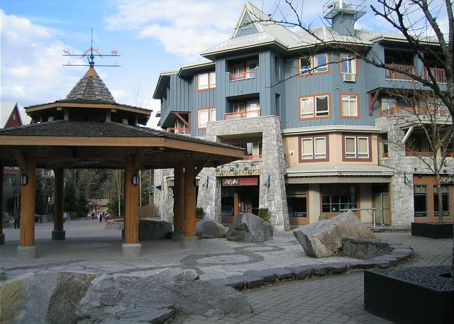 Studio in prime village location, free internet, hot tub, walk to lifts. AC - Image 1 - Whistler - rentals