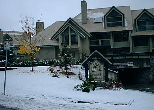 Foxglove - Luxury 3 bd  2 bath townhouse, updated kitchen, fireplace, BBQ, free internet - Whistler - rentals