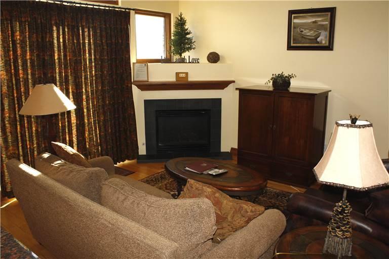 Highland Greens #17 Chestnut - 3 BR + Den - Image 1 - Breckenridge - rentals