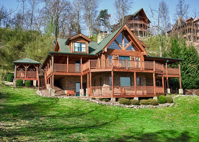 The Mountaintop Lodge You've Dreamed About!  Privacy and Amazing Views! - Image 1 - Sevierville - rentals