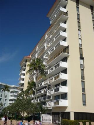 Cozy and Inviting Beachfront Condo with perfect Gulf of Mexico views ! - Image 1 - Marco Island - rentals