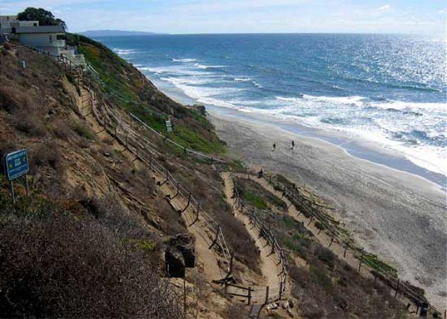 Path to Beach - Oceanfront rental with 6br, 5ba, endless ocean views, spa, fireplace, & more! - Encinitas - rentals