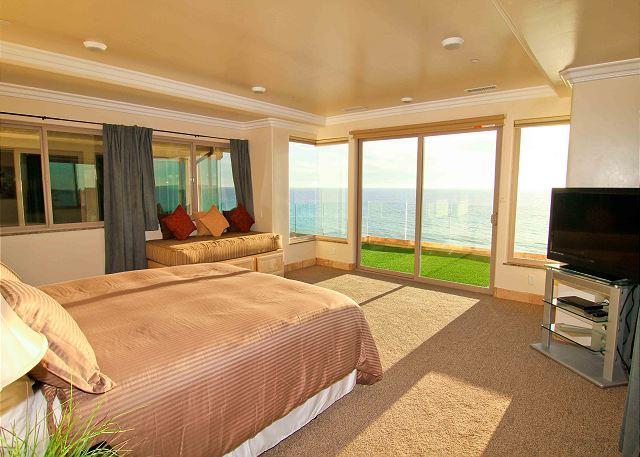 bedroom with beachfront balcony  - 7br/7ba Luxury Oceanfront Retreat, Decks, Spa, BBQ, Designer Decorated & A/C - Oceanside - rentals