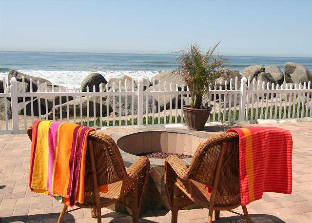 Common patio with gas firepit - Remodeled Beach Rental,2br/1ba, bbq, patio, Designer Decorated & A/C Equipped - Oceanside - rentals