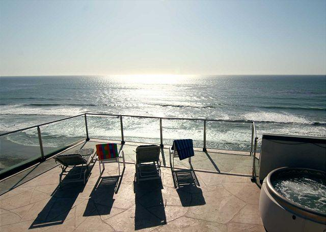 Premier Oceanfront rental, 5br, 3ba, rooftop deck, spa, fireplace, remodels - Image 1 - Encinitas - rentals