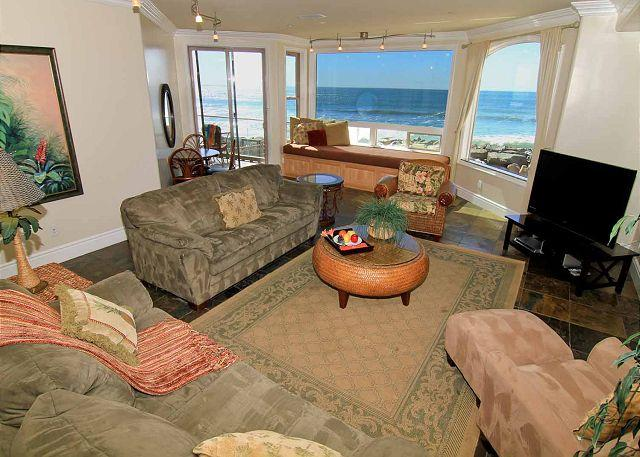 Living room, ocean views - Luxury Oceantfront rental, 5br/4ba, Spa, Large Kitchen P908-1 - Oceanside - rentals