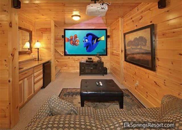 3 Bedroom, 3 Bath, Pool Table, Hot Tub and 9 Foot Theater Screen! - Image 1 - Gatlinburg - rentals